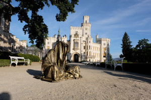 hluboka-castle--czech-republic-guardians-of-time-manfred-kili-kielnhofer-contemporary-fine-art-sculpture-statue-arts-design-modern-photography-artfund-artshow-pro-6630