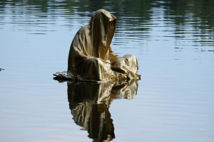 lower-austria-fish-pond-lake-guardians-of-time-by-manfred-kili-kielnhofer-contemporary-art-modern-sculpture-fine-photography-arts-ars-statue-7140