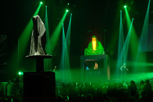 breitling-idclub-show-baselworld-watch-jewellery-party- brand-exclusive-guardians-of-time-manfred-kielnhofer-sculpture-statue-art-arts-lightart-3128